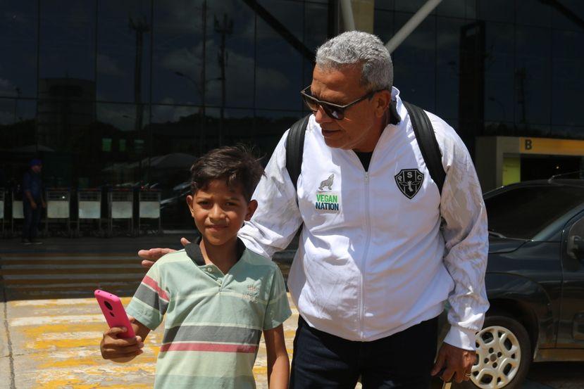 Imagem ilustrativa da notícia: Hélio dos Anjos quer presentear torcedor do Paysandu após post no twitter