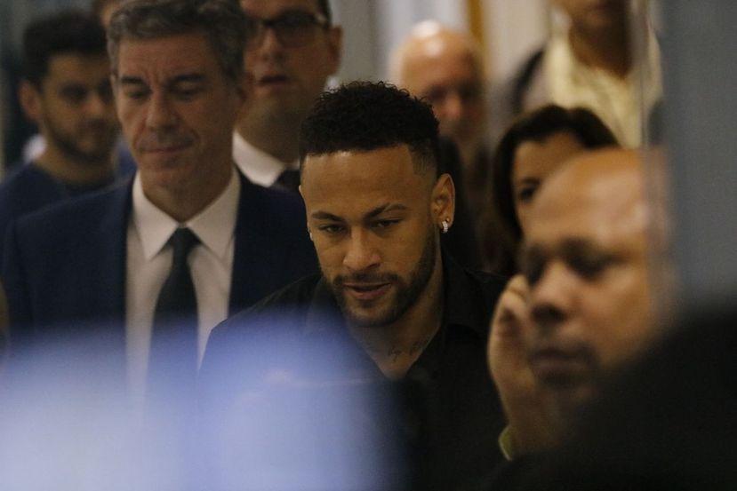 Imagem ilustrativa da notícia: Ministério Público pede arquivamento de inquérito contra Neymar