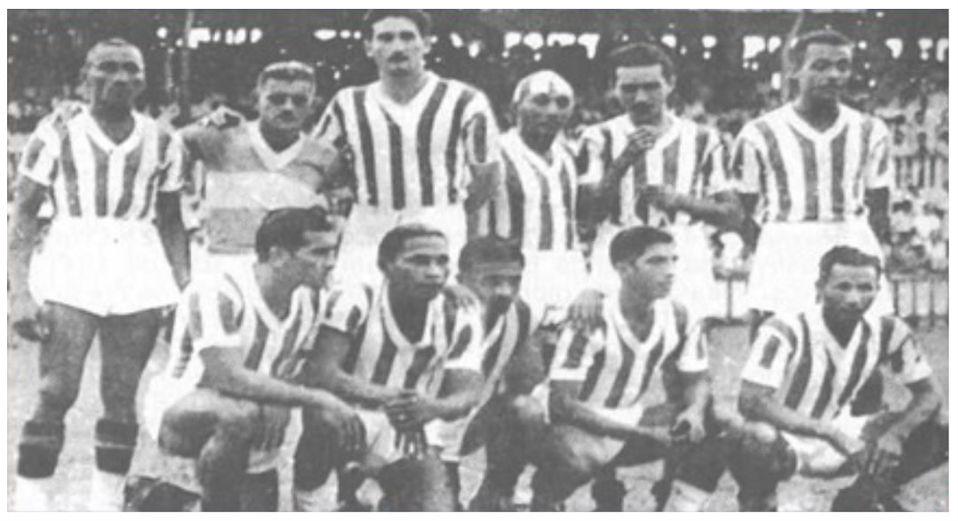 Imagem ilustrativa da notícia: Famoso 7 a 0 bicolor no rival teve expulsão e marca de goleador