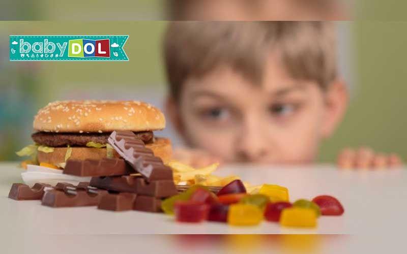 Uma em cada três crianças está desnutrida ou com sobrepeso no mundo, segundo relatório da UNICEF.