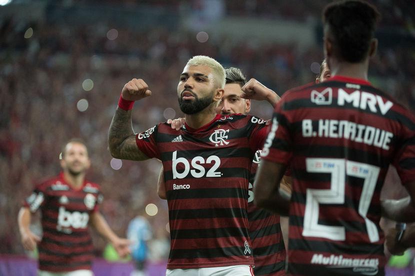 Imagem ilustrativa da notícia: Gabigol minimiza discussão com Arão ainda no gramado após empate