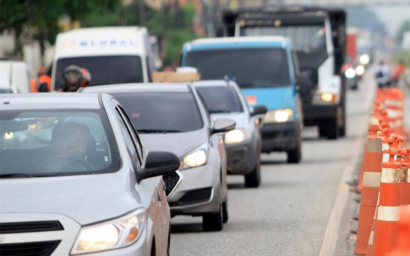 Imagem ilustrativa da notícia: Mais de 65 mil veículos precisam ser licenciados até esta sexta-feira
