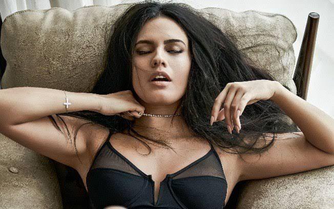 Imagem ilustrativa da notícia: Após lamber careca, atriz Letícia Lima quase teve orgasmo