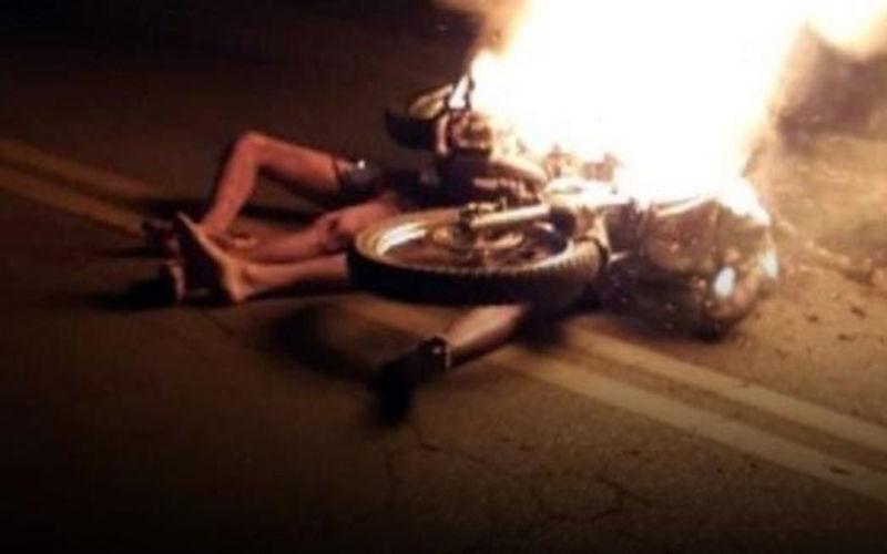 Imagem ilustrativa da notícia: População espanca e mata suspeitos de assalto carbonizados