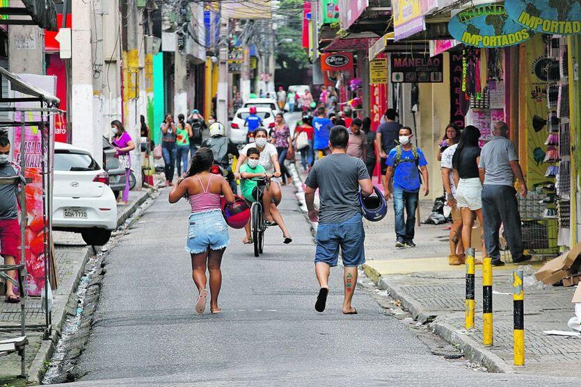 Em Belém, ainda é comum parte da população descumprir as regras de isolamento.