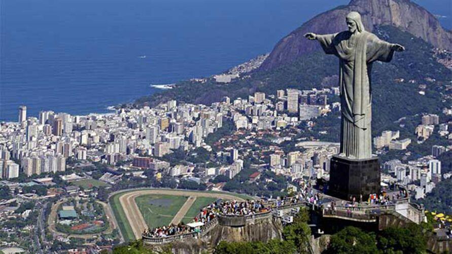 O Cristo Redentor é o ponto turístico mais famoso do Brasil