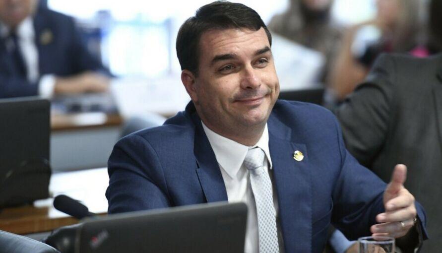 Amigo do presidente Jair Bolsonaro, Wassef é dono do escritório onde Fabrício Queiroz foi preso na manhã de quinta-feira (18), na cidade de Atibaia (SP).