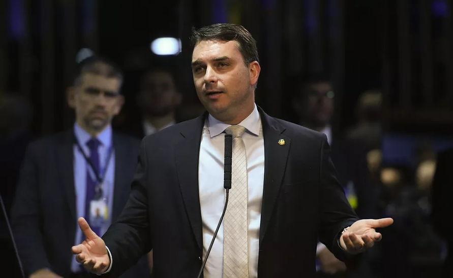 O filho 01 do presidente Jair Bolsonaro acumula duas representações feitas no colegiado, ambas pedindo a cassação do mandato.