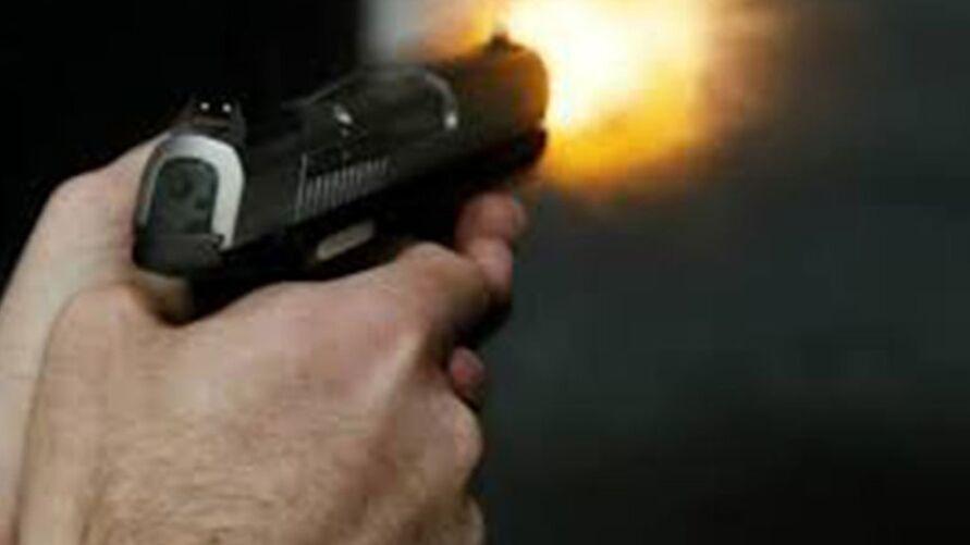 Imagem ilustrativa da notícia: Mãe mata a própria filha de 4 anos com revólver do marido