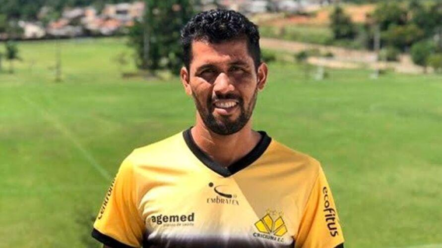 Imagem ilustrativa da notícia: Lateral Marlon é o novo contratado do Clube do Remo