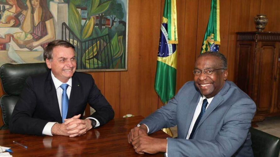 A afirmação de que Carlos Decotelli teria o título foi feita pelo presidente Jair Bolsonaro na última quinta-feira (25).