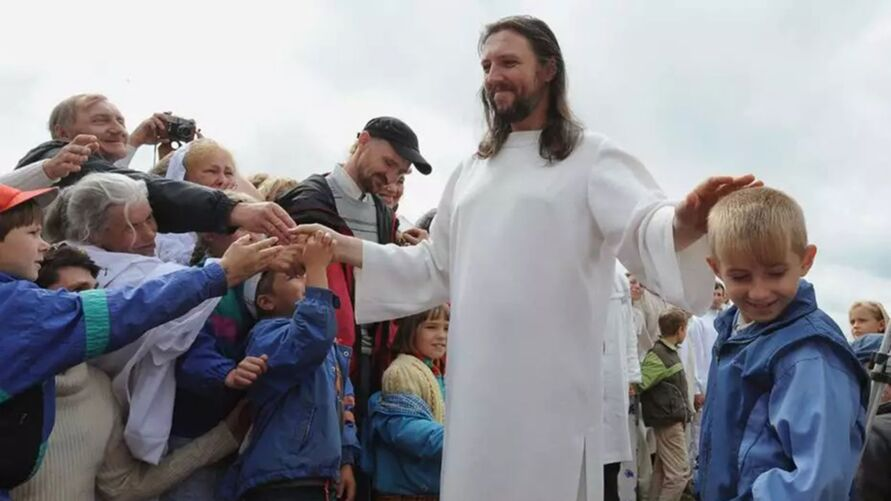Homem que se dizia reencarnação de jesus Cristo foi preso por extorquir seguidores.