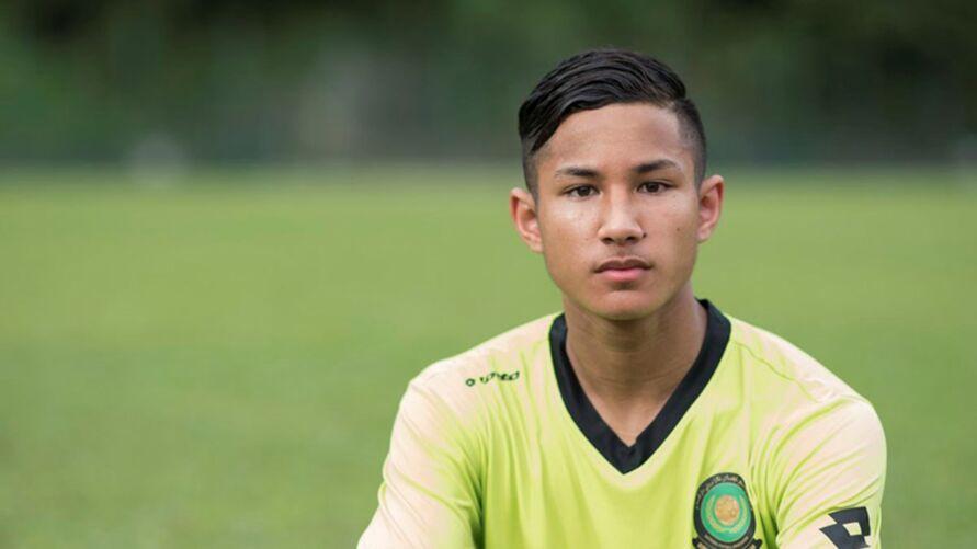 O seu pai é o príncipe do Brunei e o seu tio é o sultão, com uma fortuna avaliada em 17 mil milhões de euros. Chega agora à Madeira para relançar a carreira no futebol.