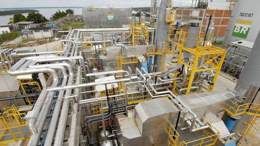 Pela decisão, a empresa poderá vender suas refinarias sem aval do Legislativo.