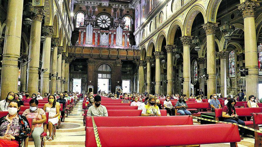 Milhares de fiéis visitaram a Basílica ao longo do mês de outubro