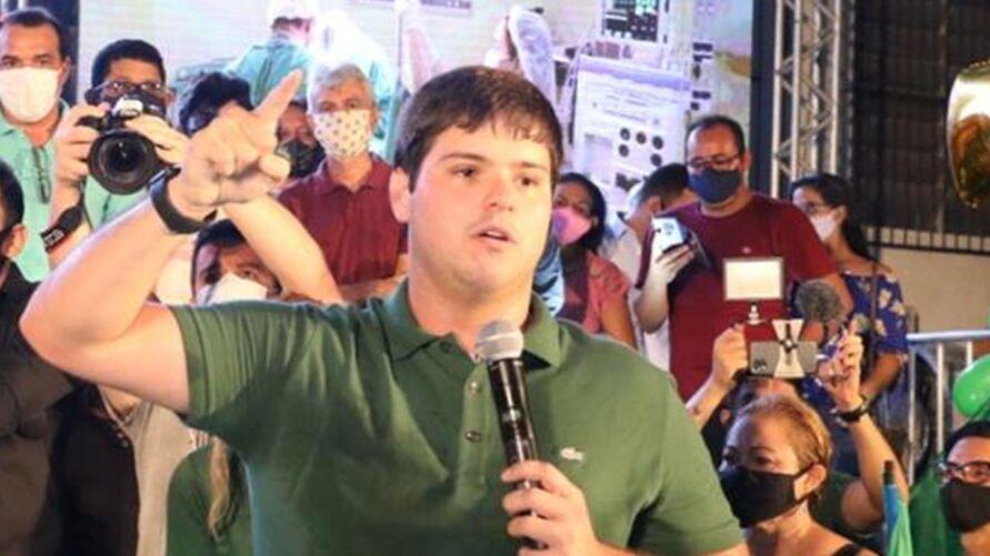 Imagem ilustrativa da notícia: Pela segunda vez, Justiça Eleitoral retira propaganda de Thiago Araújo do ar após ataques