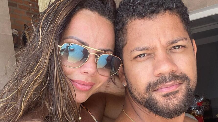 Imagem ilustrativa da notícia: Viviane Araújo revela que está noiva e diz que vai ter filho