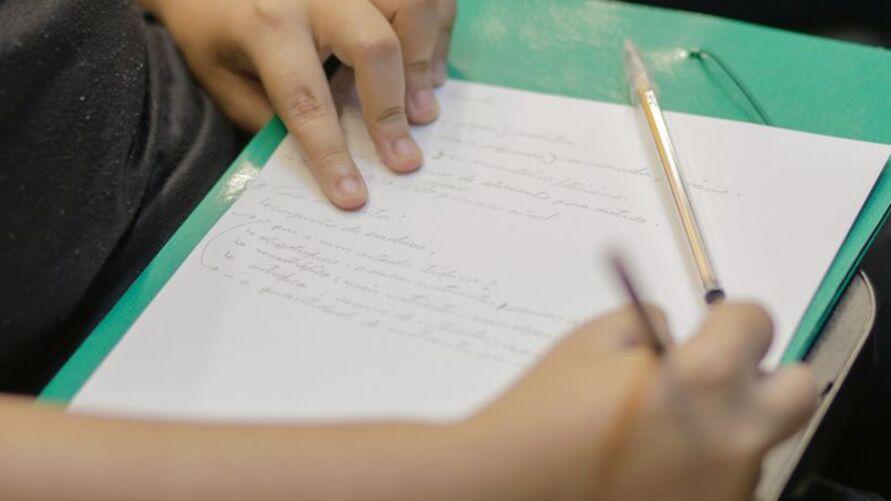 Imagem ilustrativa da notícia: Enem: professores enfatizam a importância da interpretação textual no primeiro dia