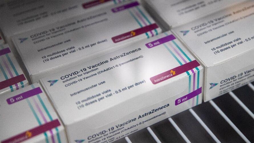 Cerca de 2 milhões de doses do imunizante serão enviados ao Brasil nesta sexta-feira (22)