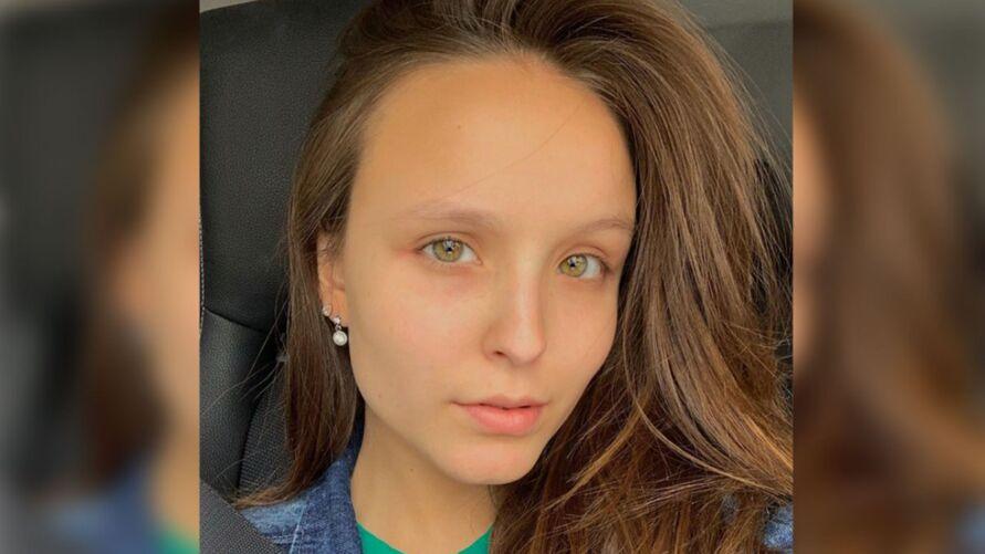 """Imagem ilustrativa da notícia: Larissa Manoela faz transplante capilar e comemora; """"Como é bom ter recursos"""""""