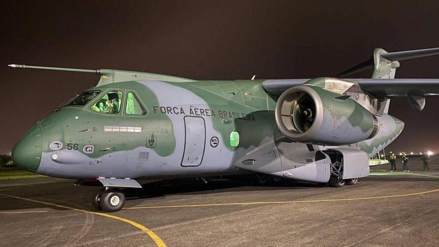 O avião chegou na terça (12) a Alexandria, Louisiana (EUA), e ficará até 5 de fevereiro participando de um treinamento militar conjunto com os americanos, chamado Culminating (culminando, em inglês).