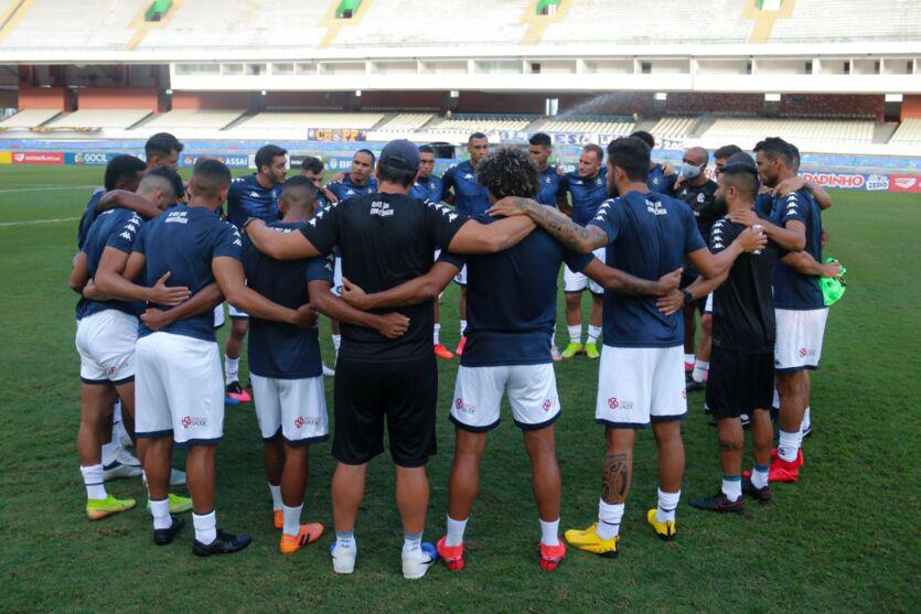 Equipe espera dar o máximo em campo