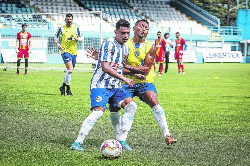 Jogadores serão comandados pelo técnico do time sub-20, Aylton Costa