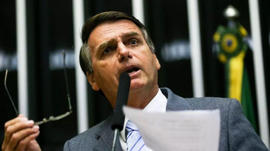 O motivo da denúncia é a atuação negligente do presidente Jair Bolsonaro no combate à pandemia da covid-19.