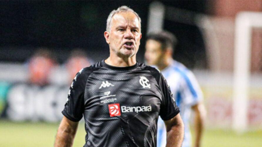Paulo Bonamigo não falou nada sobre se permanece a frente da equipe após a competição