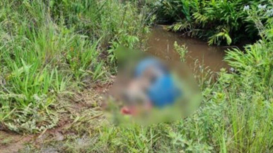 Imagem ilustrativa da notícia: Pescadores encontram corpo cimentado dentro de tambor em córrego