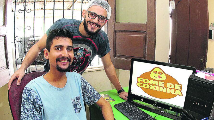 A venda de coxinhas dos irmãos Gabriel e Felipe Franco cresceu justamente em um período difícil