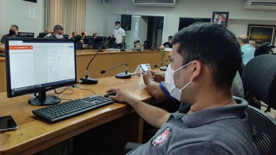 Imagem ilustrativa da notícia: Aluno é pego com cola de papel durante prova do Enem no Pará