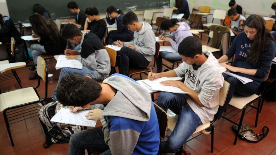 Entidades representativas dos estudantes se manifestaram favoráveis ao adiamento em razão da pandemia