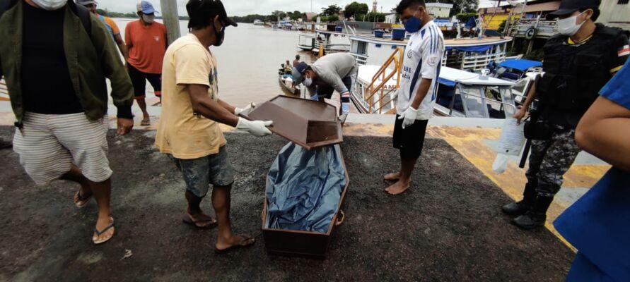 Imagem ilustrativa da notícia: Assassinos destroem esôfago e traqueia de jovem e deixam seu corpo boiando em canoa