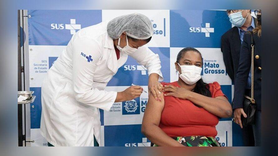 Vacinada disse que se preocupou se sofreria alguma reação.