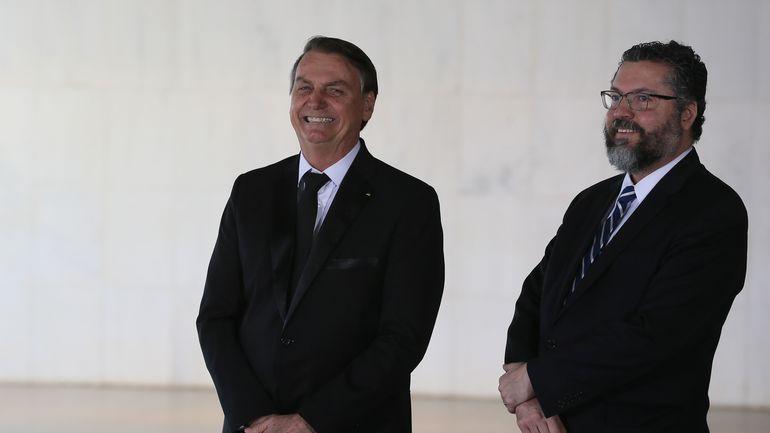Imagem ilustrativa da notícia: Ministro das Relações Exteriores diz que não há previsão para chegada de mais vacinas ao Brasil