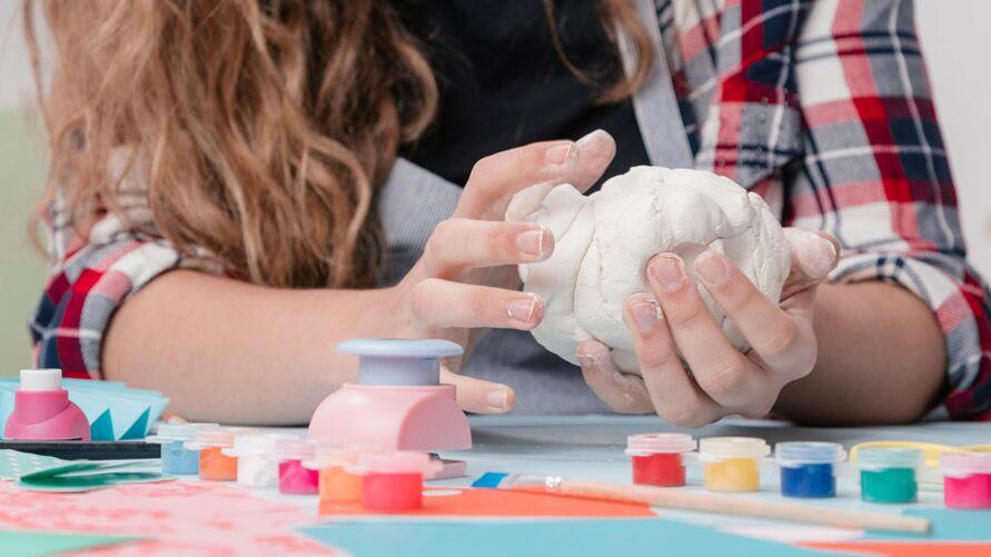 Imagem ilustrativa da notícia: Mãos à obra: mulheres usam suas habilidades manuais como profissão
