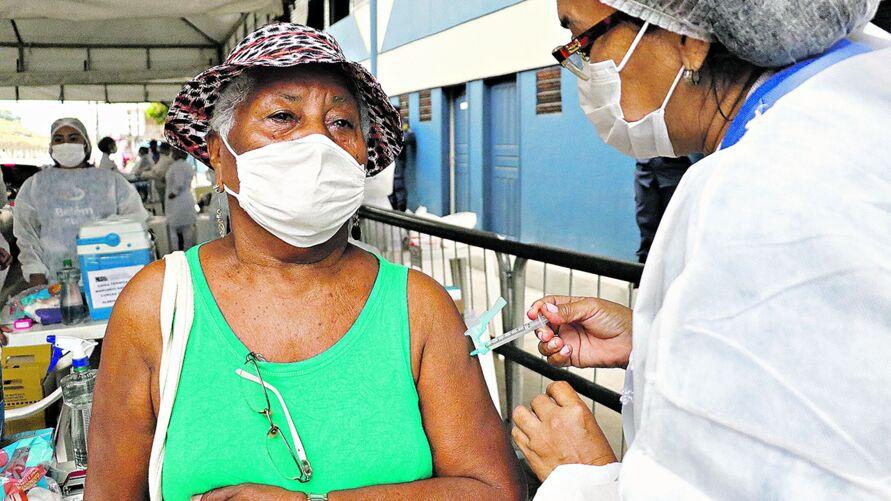 Ontem, encerrou com tranquilidade a imunização dos idosos com 85 anos na capital