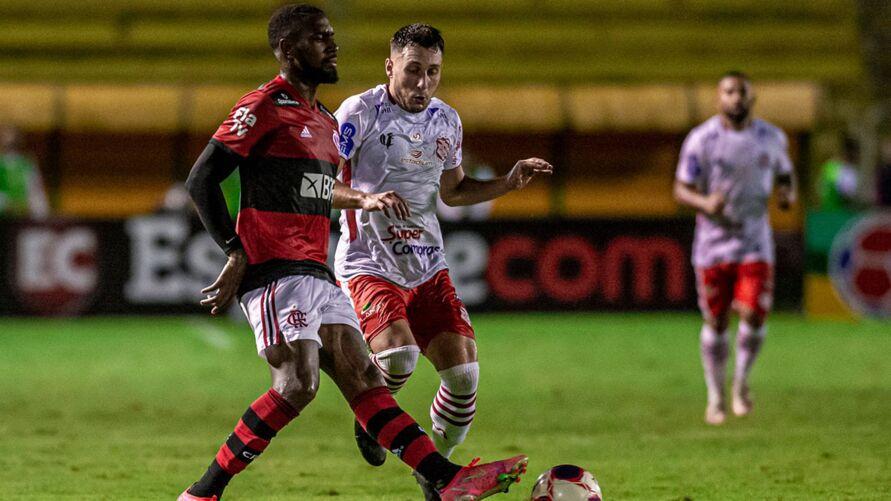 Mengão assume liderança do Campeonato Carioca