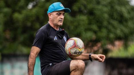 O treinador Itamar Schülle quer fazer bonito na sua primeira partida contra o Remo.