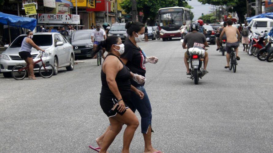 Uso de máscara, medicação, isolamento: quais medidas são realmente efetivas contra a covid-19