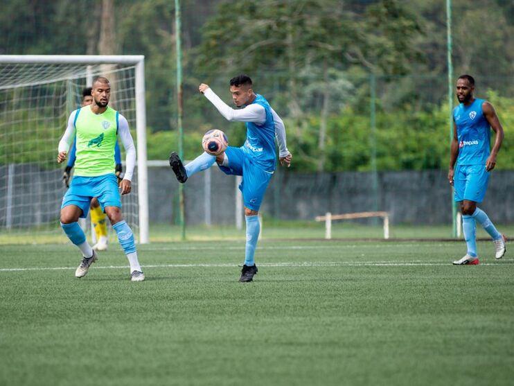 Jogadores acreditam que parada no futebol foi prejudicial ao time
