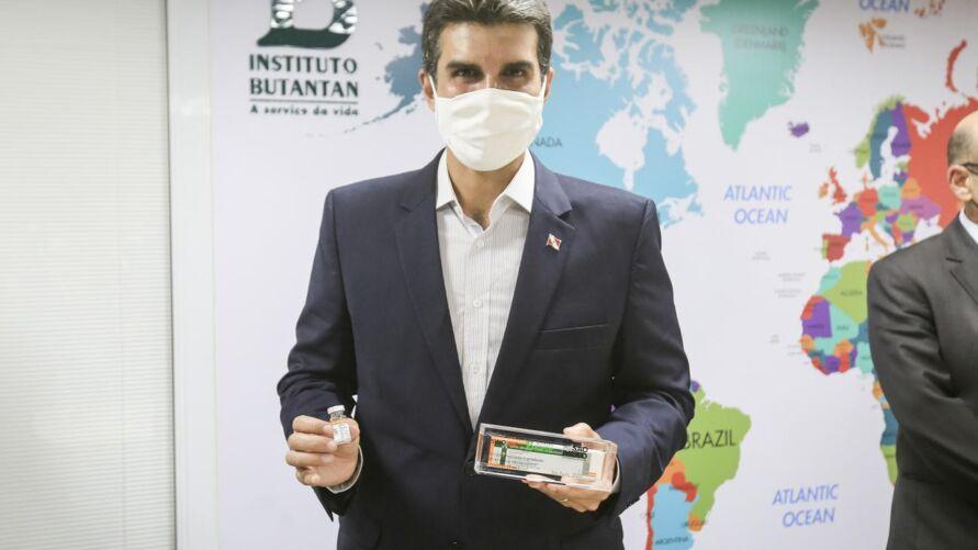 Governador Helder Barbalho anunciou a chegada de mais um lote de vacinas.