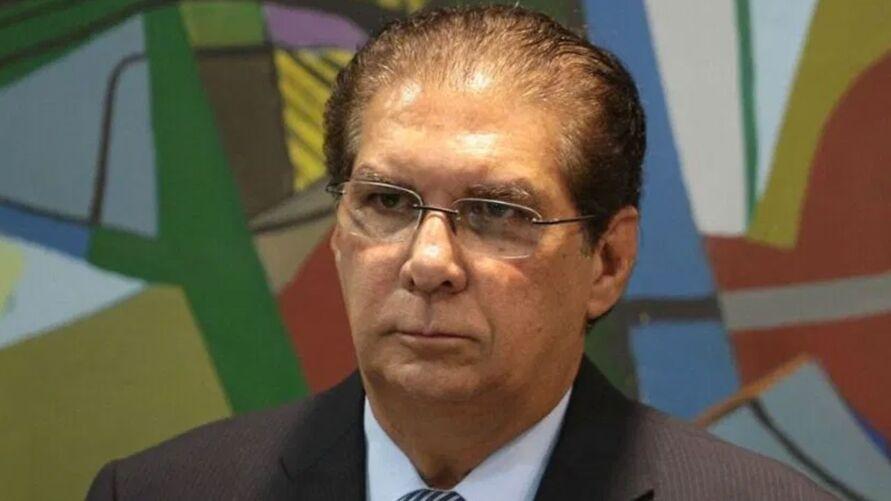 Jader Barbalho enviou um documento ao ministro Milton Ribeiro