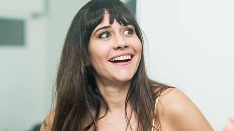 Imagem ilustrativa da notícia: Alessandra Negrini revela torcida no BBB, fala sobre macoha e cotidiano: 'pegar geral é bom'