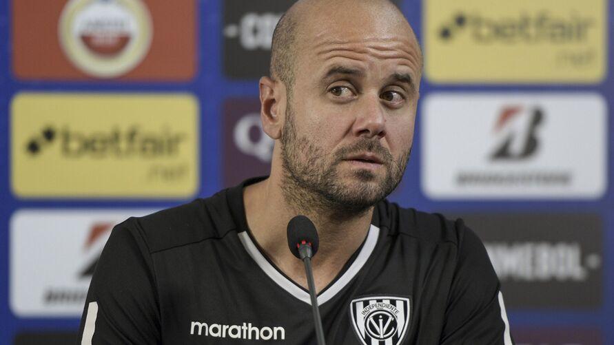 Imagem ilustrativa da notícia: Internacional contrata treinador espanhol cobiçado no futebol brasileiro