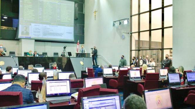 Agora o projeto segue para apreciação do plenário da Alepa.