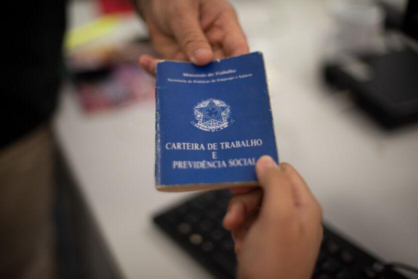 Imagem ilustrativa da notícia: Brasil fecha janeiro com saldo de 260.353 empregos formais
