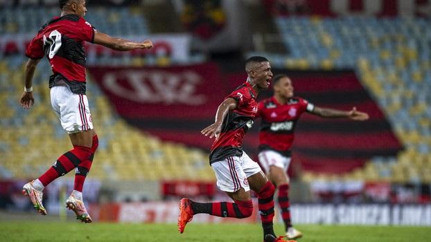 Comemoração do gol de Max na estreia do Cariocão