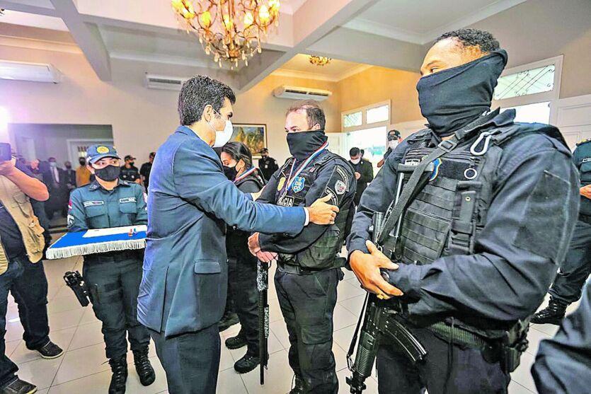 Governador Helder homenageia policiais. Uma grande apreensão ocorreu no sábado passado, em Bujaru
